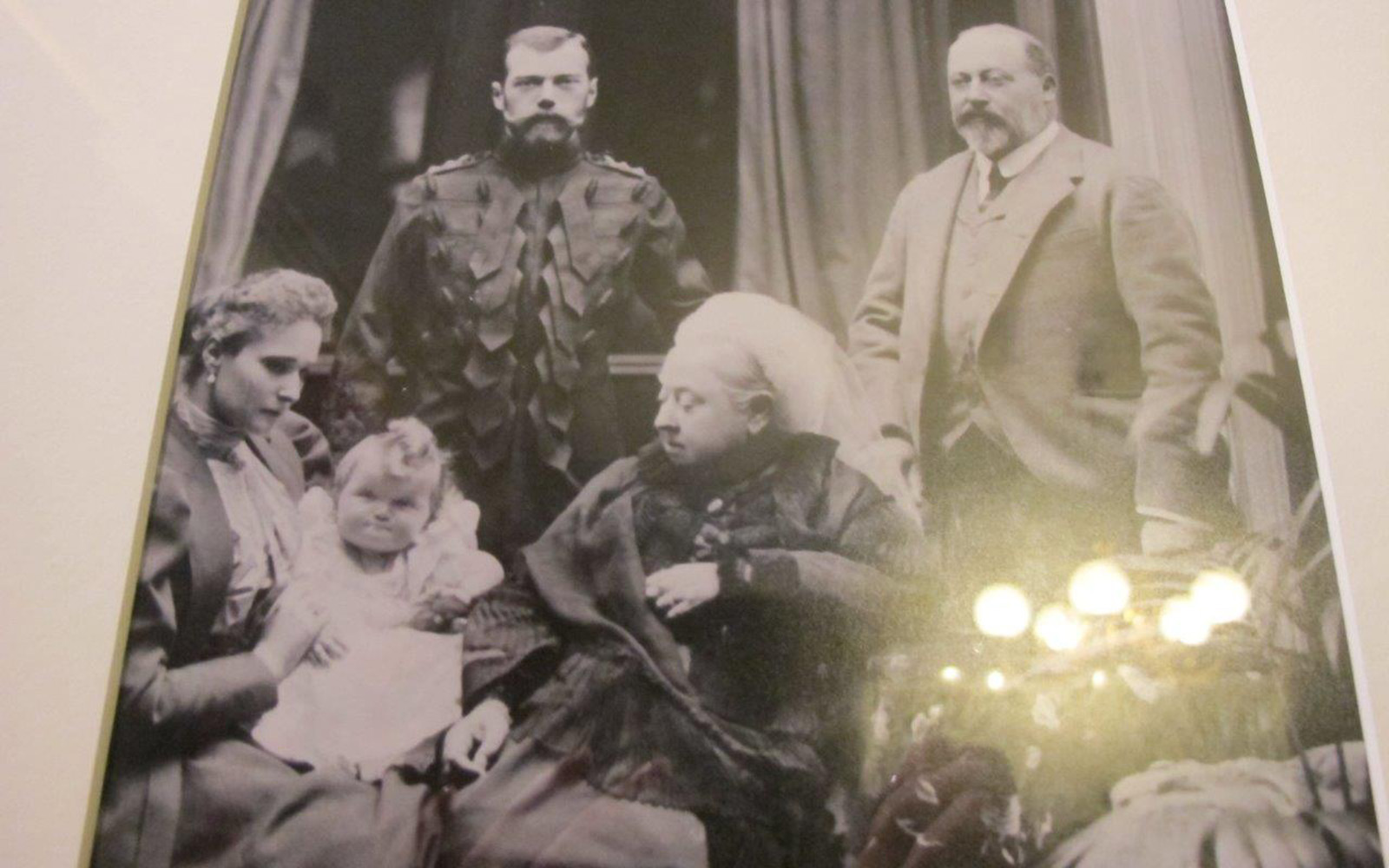 Queen Victoria And Tsar Nickolay II With His Family
